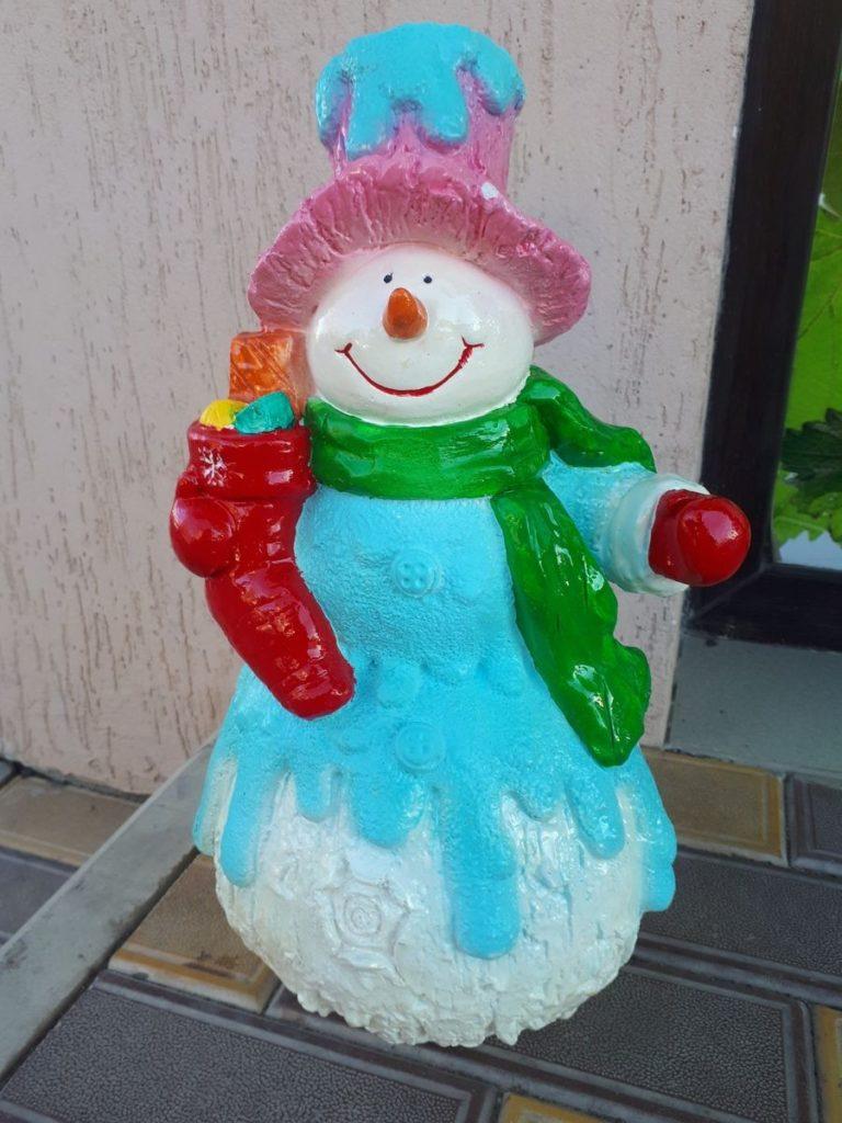 """Садовая фигура """"Снеговик с подарком"""" - 1"""